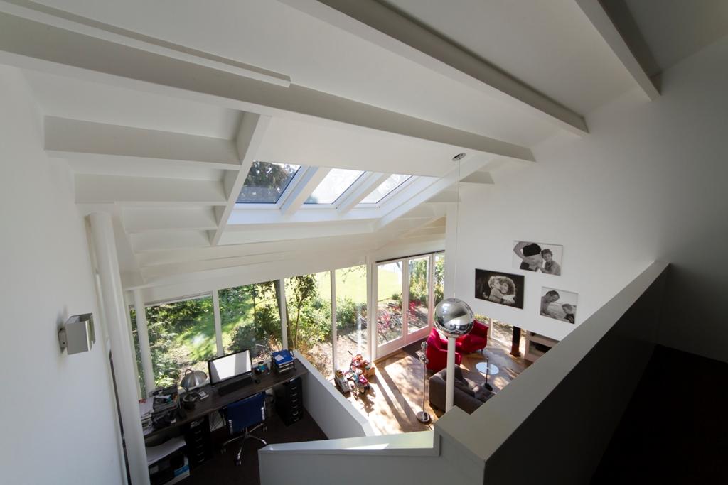 Van witte bungalow naar wit huis b htlingk architectuur - Idee huis uitbreiding ...